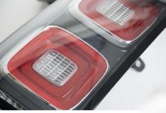 L405-2018-gen-rear-light-closeup_3