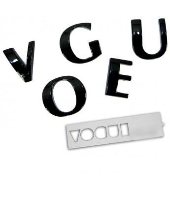 VOGUE letters achterklep